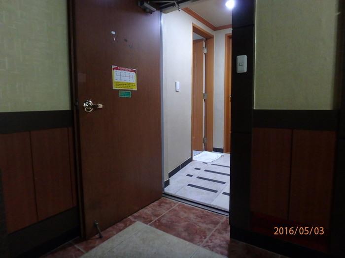 2층 객실방 입구 경사로 모습