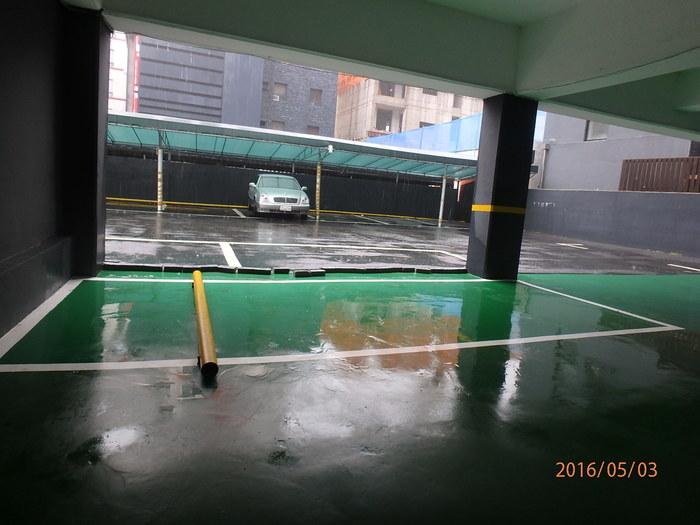 1층 주차장 모습