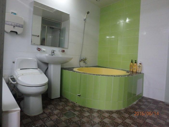 콘도형 객실 내 화장실 모습